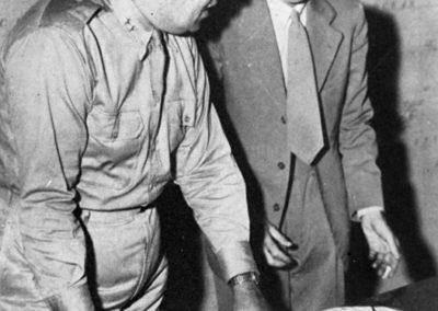 Groves et Oppenheimer